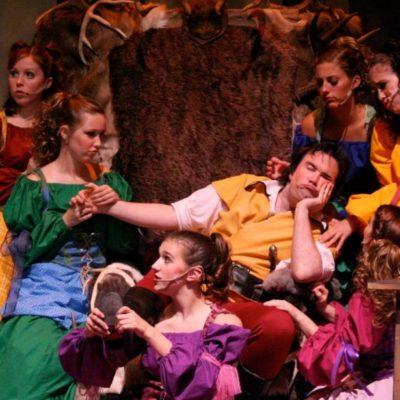 Gastons Entourage